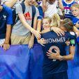 Eugenie Le Sommer dans les bras de son compagnon Florian et de ses neveux et nièces dans les tribunes lors du quart de finale de la Coupe du monde féminine de football opposant les Etats-Unis à la France au Parc des Princes à Paris, France, le 28 juin 2019. Les USA ont gagné 2-1. © Pierre Perusseau/Bestimage