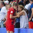 Solène Durand et sa mère dans les tribunes lors du quart de finale de la Coupe du Monde Féminine de football opposant les Etats-Unis à la France au Parc des Princes à Paris, France, le 28 juin 2019. Les USA ont gagné 2-1. © Pierre Perusseau/Bestimage
