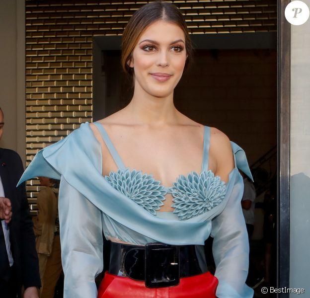 """Iris Mittenaere - Sorties du défilé de mode Haute-Couture 2019/2020 """"Jean Paul Gaultier"""" à Paris. Le 3 juillet 2019 © Veeren Ramsamy-Christophe Clovis / Bestimage"""