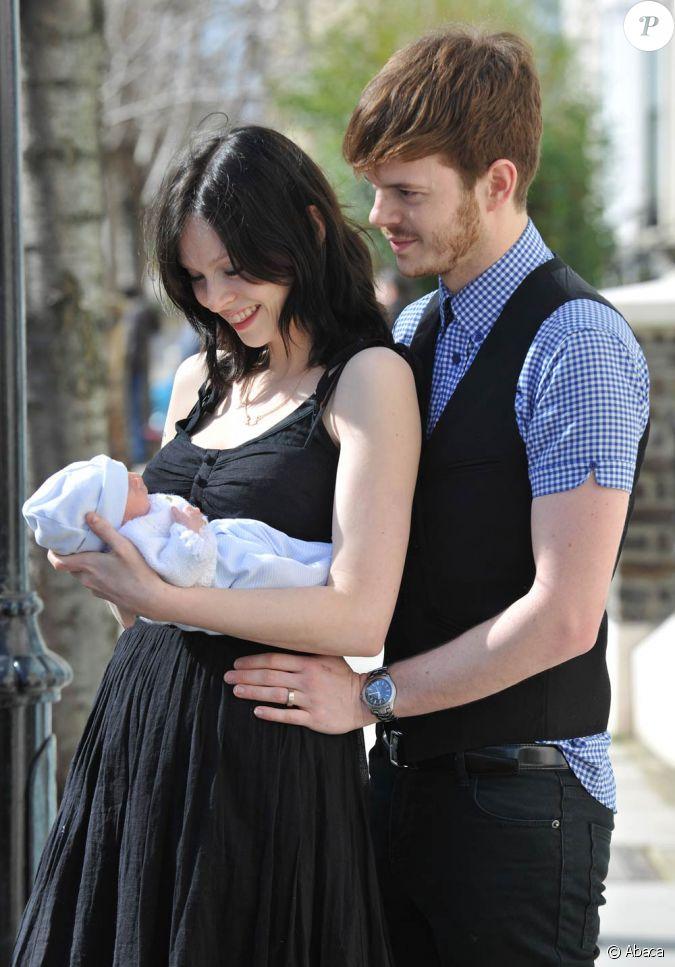 Sophie ellis bextor son mari richard jones et son deuxi me fils - Sophie jovillard et son mari ...