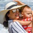Eva Longoria, son mari Jose Baston et leur fils Santiago passent des vacances à Marbella, Espagne, le 9 juillet 2019.