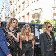 Cara Delevingne et sa compagne Ashley Benson - Les célébrités arrivent à la réception du mariage de Zoe Kravitz et Karl Glusman dans la maison de Lenny Kravitz à Paris, France, le 29 juin 2019.