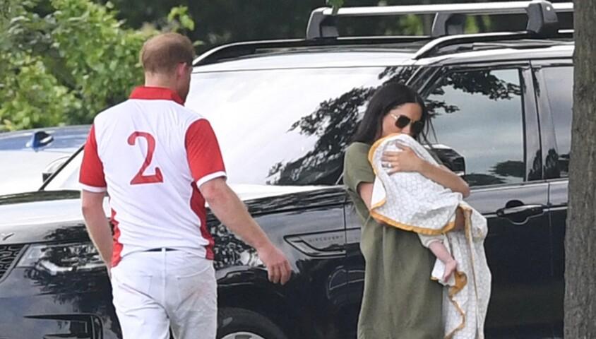 Meghan Markle et le prince Harry avec leur fils Archie au King Power Charity Polo Day à Wokingham, dans le Berkshire, le 10 juillet 2019.