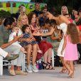 """Eva Longoria avec son mari José Baston et leur fils Santiago lors du défilé organisé par la fondation """"Global Gift"""" dans le cadre de la Fashion Week de Marbella, le 11 juillet 2019."""