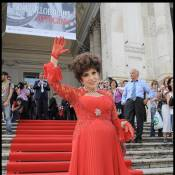Gina Lollobrigida voit rouge... quand on expose ses photos !
