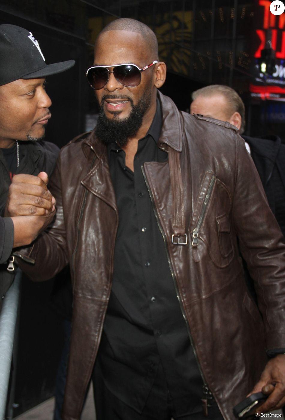 Archives - Le rappeur R. Kelly (Robert Sylvester Kelly), accusé d'agressions sexuelles est lâché par Sony Music.