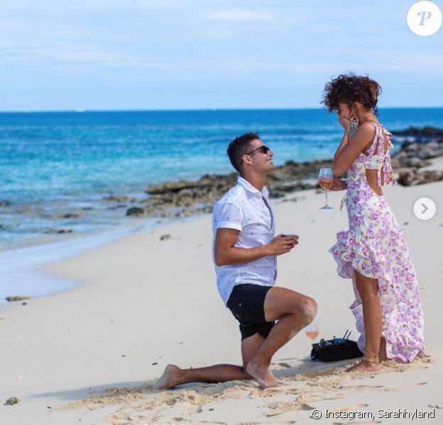Sarah Hyland et son chéri Wells Adams se sont fiancés. (Juillet 2019)
