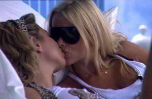 Secret Story 3 : Angie Romain, Cindy et Martin... la Maison des secrets devient... la Maison des bisous  ! Regardez !