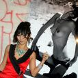 Bai Ling lors de l'expo de photos en noir et blanc qui lui a été consacrée...