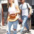 Jennifer Aniston et son mari Justin Theroux sortent d' un immeuble à New York Le 19 Juillet 2017