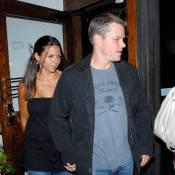 Quand Matt Damon emmène sa sublime Luciana au resto... il lui sort le grand jeu !