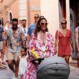 John Legend et Chrissy Teigen en vacances en famille avec leurs enfants à Porto Venere, le 4 juillet 2019. Promenade et dégustation de glaces sont au programme de ce séjour sous le soleil italien. Porto Venere. 4 juillet 2019.