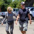 Exclusif - Olivia Newton-John et son mari John vont déjeuner au restaurant à Los Angeles, le 27 juin 2019.