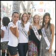 Dayana Mendoza (Miss Univers), Kristen Dalton (Miss USA), Tami Farrell (Miss California) et Chelsea Gilligan (Miss California Teen USA) posent pour le shooting du concours de Miss univers 2009. 01/07/09