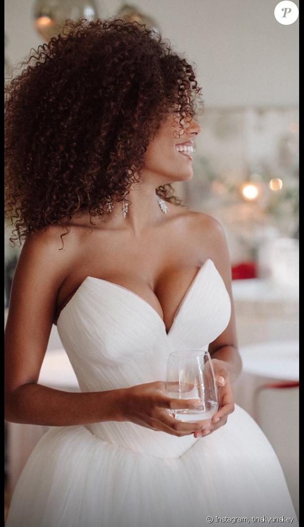 Vincent Cassel et Tina Kunakey fêtent leur premier anniversaire de mariage sur Instagram, le 24 août 2019.