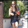 Lindsay Lohan a opté pour le short le lendemain de son anniversaire. Il faut dire que tout lui va comme un gant ! Le 3 juillet 2009