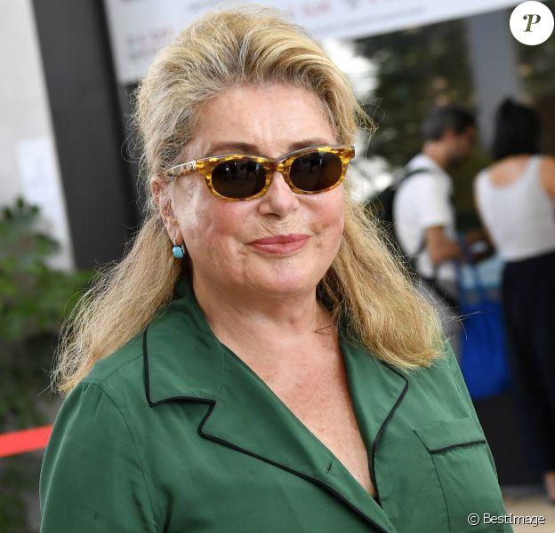 Catherine Deneuve arrive à Venise pour le 76e festival international du film, la Mostra le 27 août 2019.