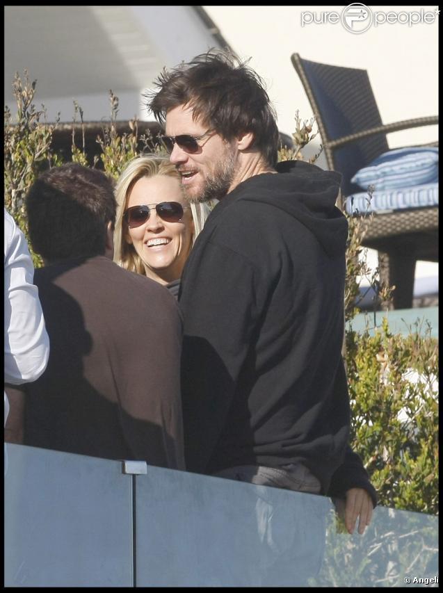 Jim Carrey très très amoureux de Jenny McCarthy, le 4 juillet 2009