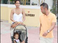 Halle Berry entourée de son homme et de sa superbe poupée... c'est les vacances à Miami !