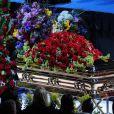 Le cercueil de Michael Jackson au Staples Center, installé sur la scène de la célèbre enceinte des L.A. Lakers...