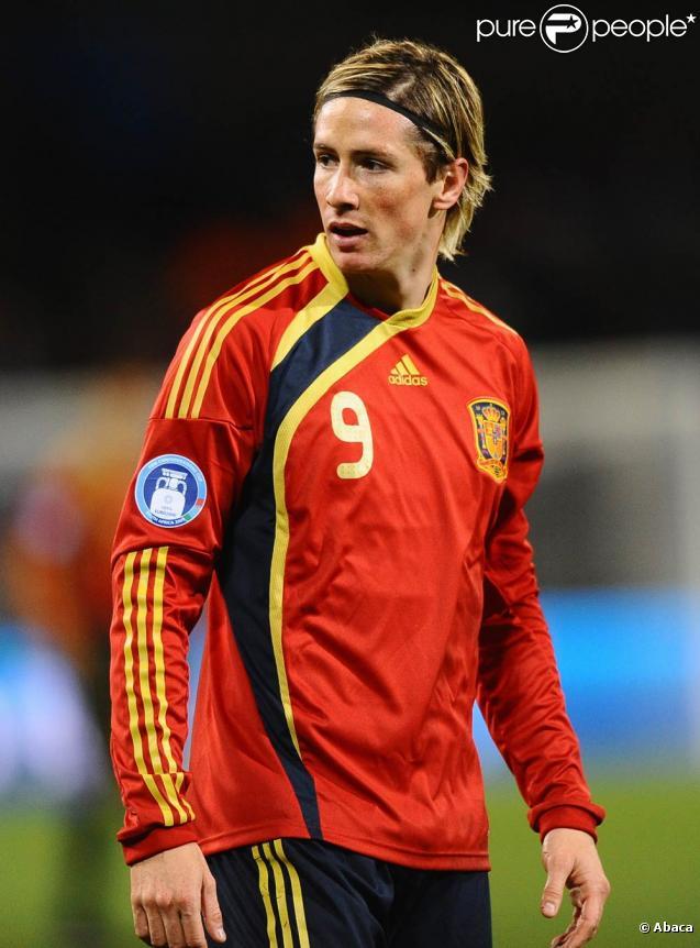L'attaquant espagnol de Liverpool Fernando Torres... papa d'une petite Nora !