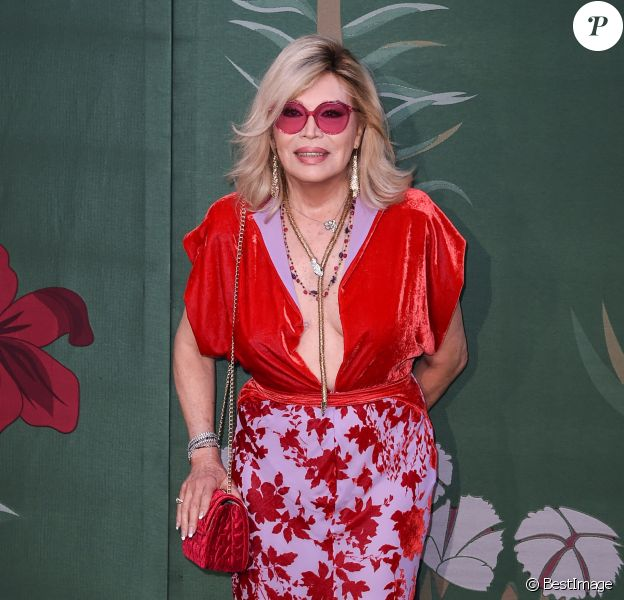 Amanda Lear assiste à la cérémonie des Green Carpet Fashion Awards au théâtre La Scala lors de la fashion week de Milan. Le 22 septembre 2019.