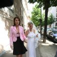 Cécilia Attias et sa fille Jeanne-Marie pour le mariage de celle-ci (mai 2008)