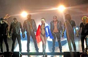 Lady GaGa, un show ultra sexuel très... limite à l'Olympia !