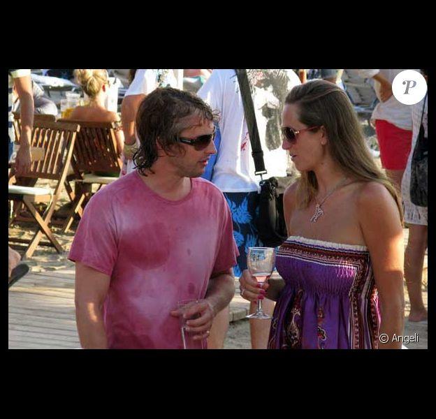 James Blunt en vacances à Ibiza avec des amis