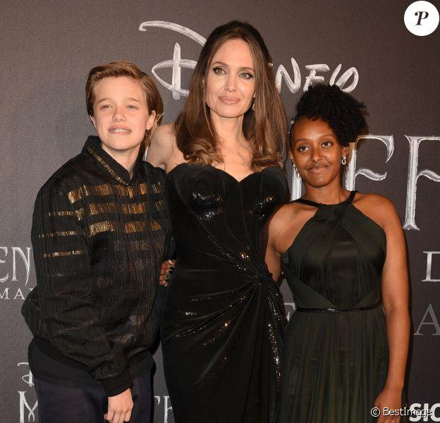 """Angelina Jolie et ses deux enfants Shiloh Jolie Pitt et Zahara Jolie Pitt assistent à l'avant-première de """"Maléfique : Le pouvoir du Mal"""" à Rome, le 7 octobre 2019."""