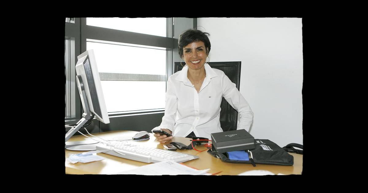 rachida dati dans son bureau au parlement europ en de. Black Bedroom Furniture Sets. Home Design Ideas