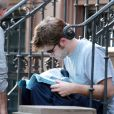Robert Pattinson sur le tournage de Remember Me à New York le 14 juillet 2009