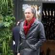 """François Morel - Arrivées des people pour l'enregistrement de l'émission """"Vivement dimanche"""" à Paris le 21 octobre 2019."""