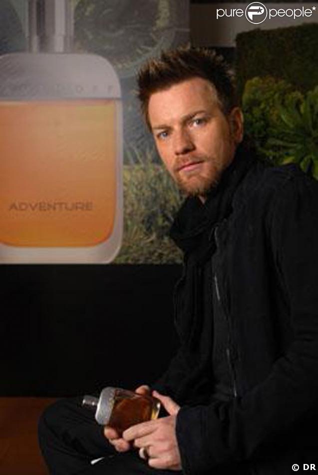 Ewan mcGregor dans la publicité pour le parfum Davidoff Adventure