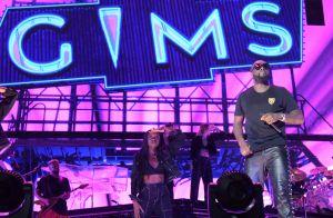 Gims, son concert au Stade de France : tendre étreinte avec Demdem sur scène