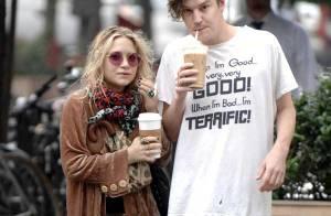 Mary-Kate Olsen : Toujours aussi in love de son boyfriend... mais bonjour le look poubelle !