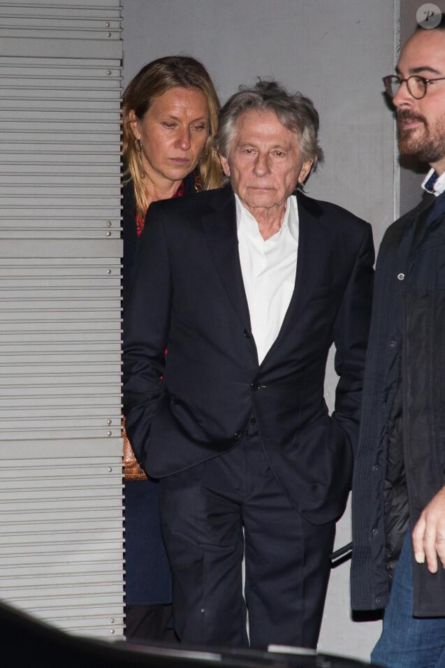 """Roman Polanski quitte l'avant-première du film """"J'accuse"""" au cinéma UGC Normandie entouré de gardes du corps à Paris le 12 novembre 2019."""