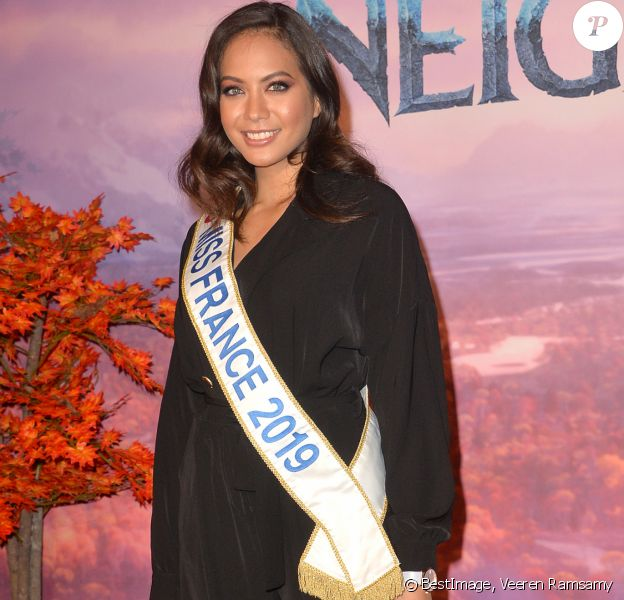 "Vaimalama Chaves (Miss France 2019) - Projection exceptionelle de ""La Reine des Neiges 2 "" au Grand Rex à Paris le 13 novembre 2019. © Veeren Ramsamy/Bestimage"
