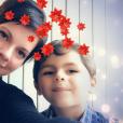 """Jo, candidat de """"L'amour est dans le pré 2012"""" a trouvé l'amour avec Claire. Oour Noël il pose avec elle et le fils de cette dernière. Décembre 2018."""