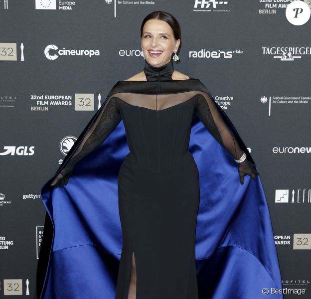Juliette Binoche assiste aux European Film Awards 2019 à Berlin, le 7 décembre 2019.