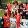 Franck Ribéry entouré de toute sa famille , sa femme Wahiba et de ses 5 enfants Hizya, Shakinez, Seïf Islam et Mohammed et Keltoum - Franck Ribéry célèbre le titre de champion d'Allemagne et son dernier match sous les couleurs du Bayern de Munich le 18 Mai 2019 à Munich.
