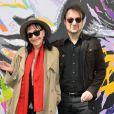 Anna Karina et Laurent Balandras devant le 5 bis, rue de Verneuil lors du lancement officiel de l'association Serge Gainsbourg au cabaret Don Camilo à Paris, le 2 avril 2017. © Guirec Coadic/Bestimage