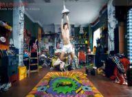 Mika, en caleçon dans sa chambre pleine de jouets : c'est le clip de We are golden ! Du grand délire, regardez !