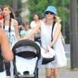 Naomi Watts, Liev Schreiber et leurs fils (13 juillet 2009, Paris)