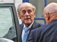 Prince Philip : Le mari d'Elizabeth II sur pied à la sortie de l'hôpital