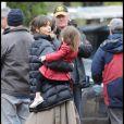 Katie Holmes sur le tournage de Don't Be Afraid Of The Dark avec sa petite Suri