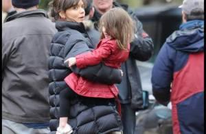 Katie Holmes : devenue maman de deux filles... elle s'en sort très bien ! Mais quel affreux look !