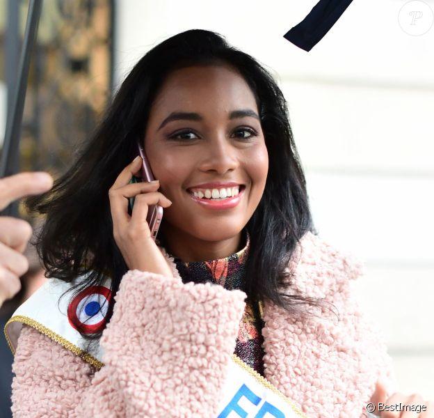 Clémence Botino quitte le siège du groupe Figaro à Paris le 16 décembre 2019