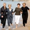 Tricia Stewart, Helen Mirren, Julie Waters et Penelope Wilton, les actrices du film Calendar Girls, sorti en 2003, à Cannes