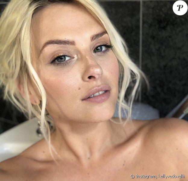 Kelly Vedovelli nue dans son bain sur Instagram - 29 décembre 2019